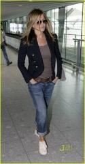 Jennifer Aniston Effortless Style